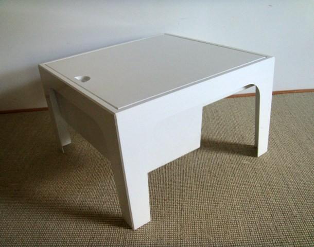 petite table travailleuse ann es 70 vintage muros design et vintage en bourgogne. Black Bedroom Furniture Sets. Home Design Ideas