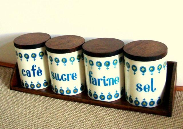 set de boites de cuisine en mélamine et bois