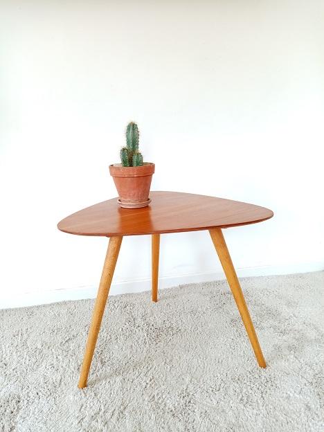 Tables basses tripodes compas vintage