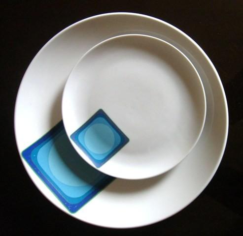 7 assiettes années 70 vintage