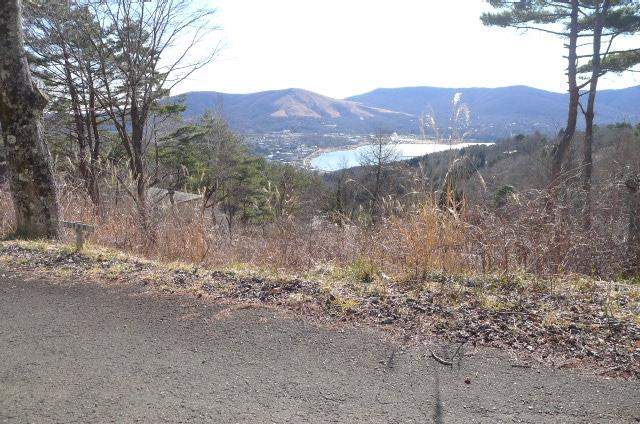 宅地正面道路から(南側)の眺め