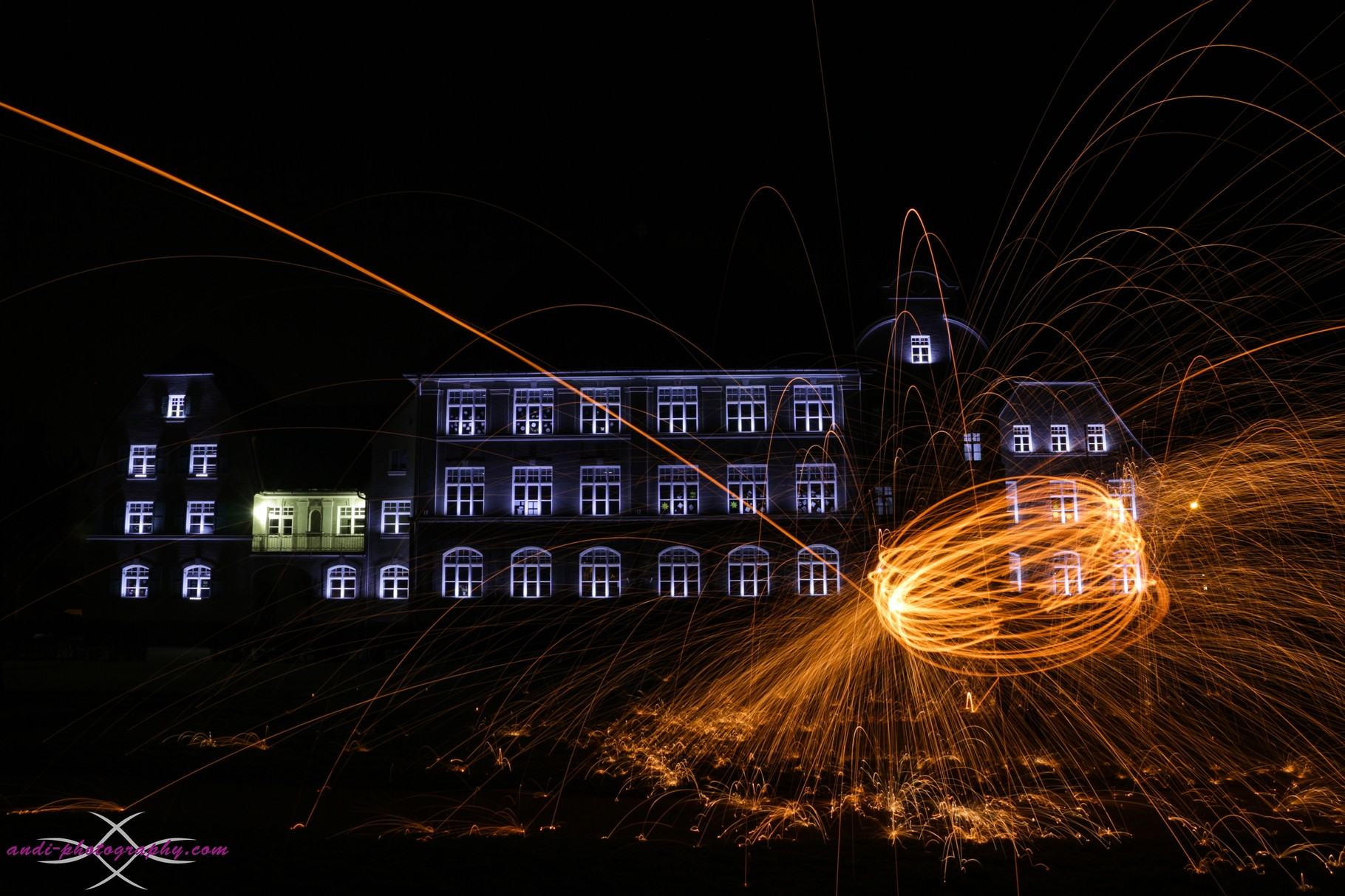 Grundschule in Freilassing mit Lightpainting