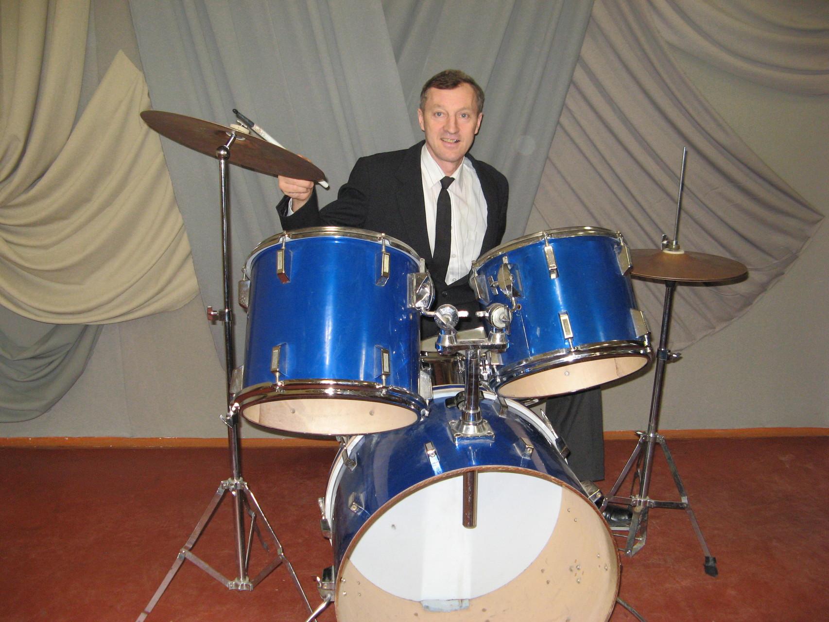 Віталій Ковальчук -старший викладач по класу ударних інструментів.