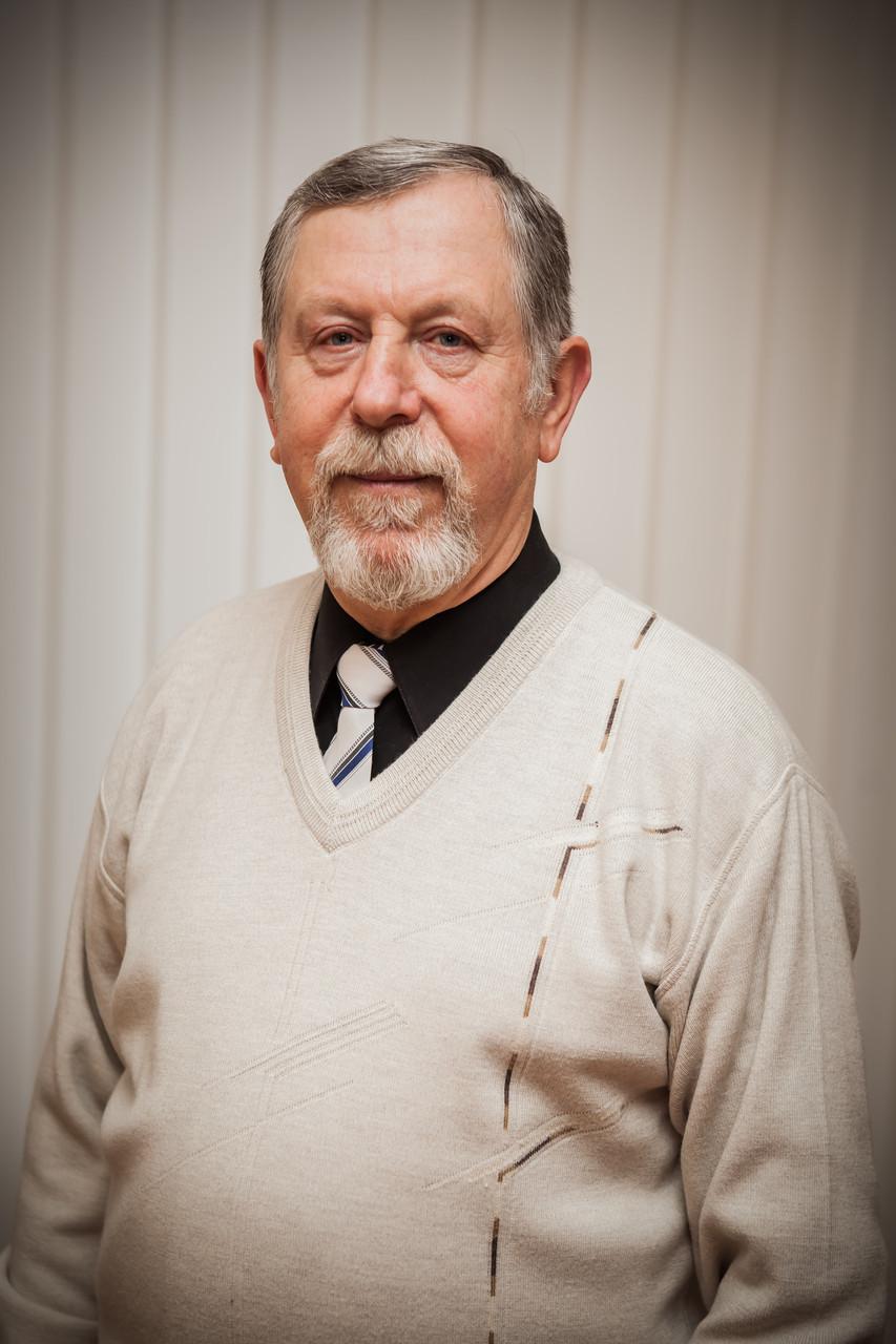 Олег Потайчук - викладач по класу кларнета та саксофона.