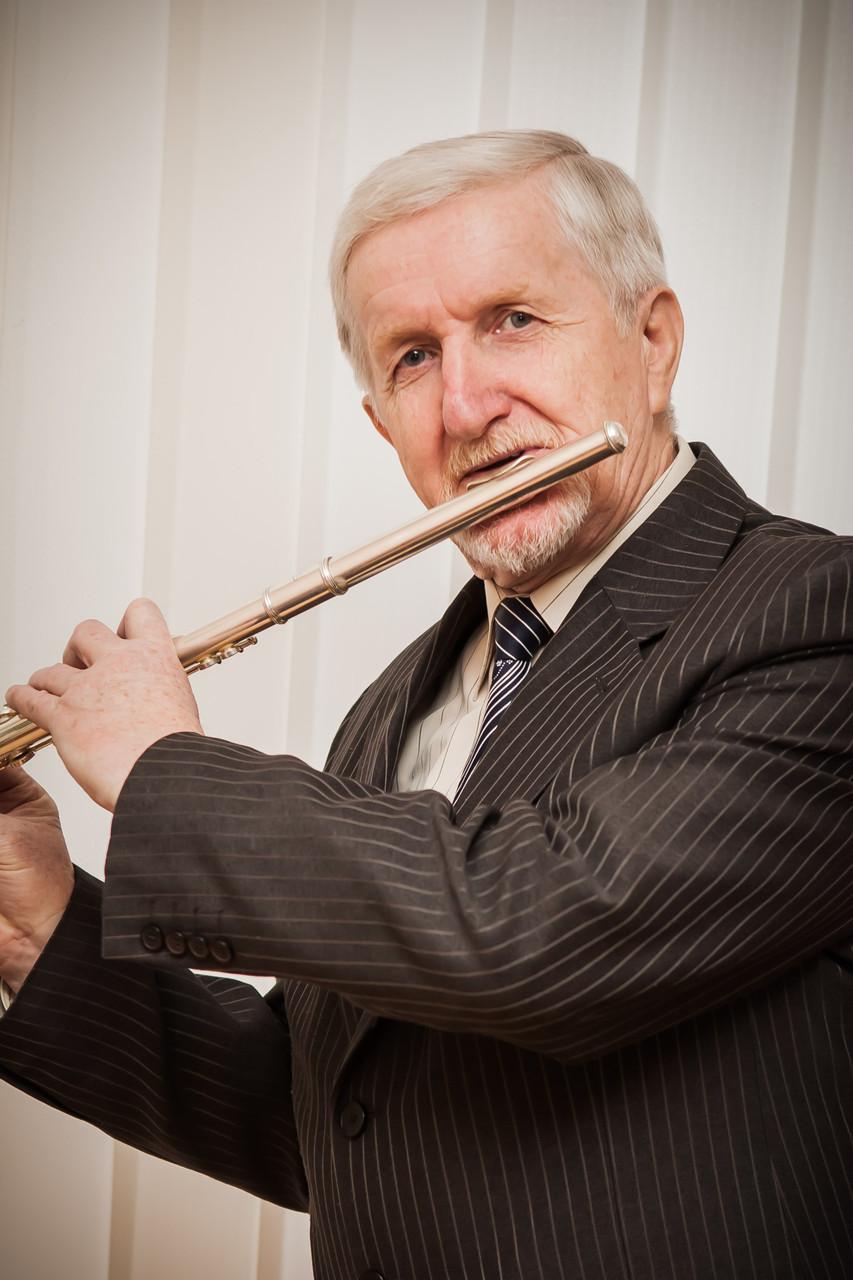 Василь Темнюк - старший викладач по класу флейти.