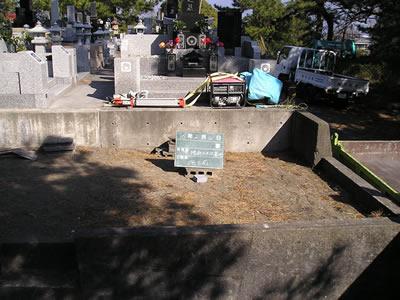お墓施工作業