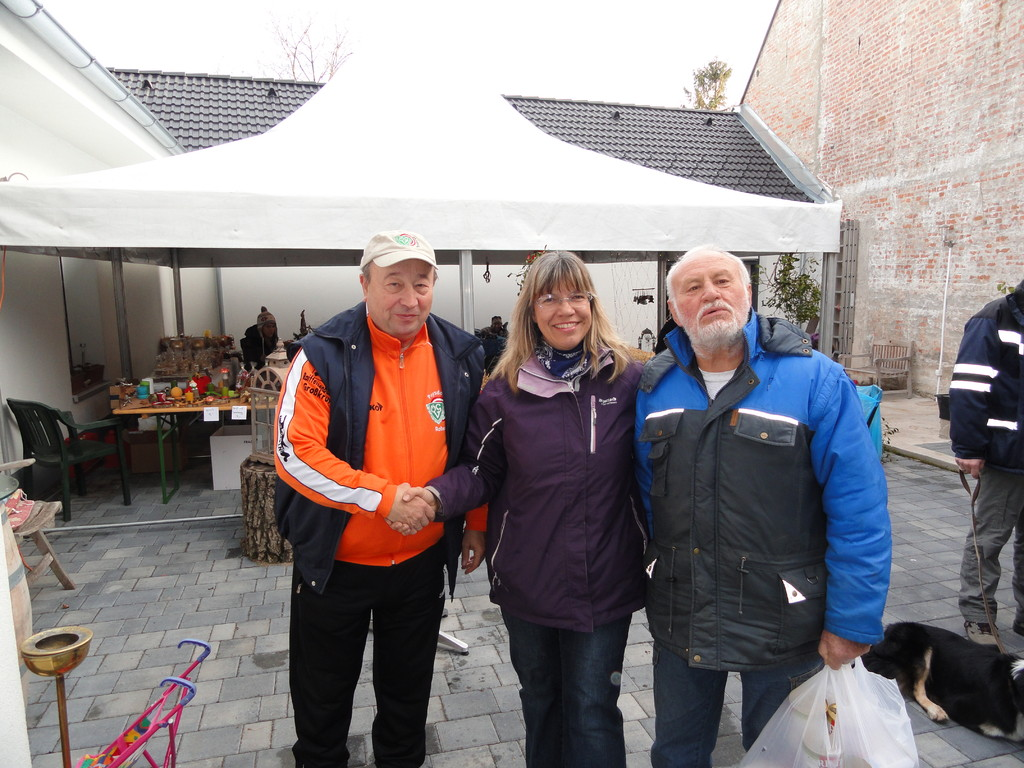 Adventmarkt  Robert, Sabine, Alfred