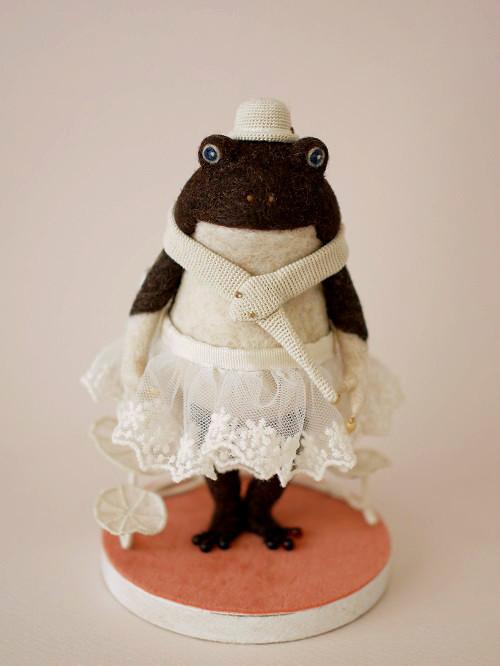 白帽子のカエルさん