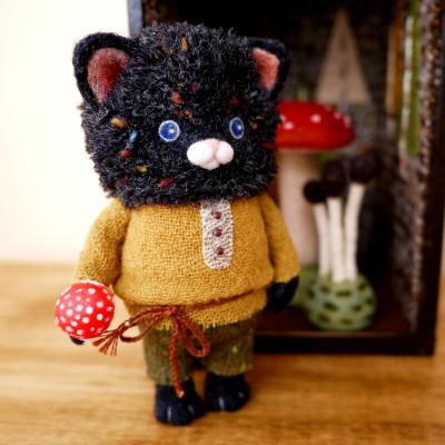 不思議きのこの森 黒猫さん