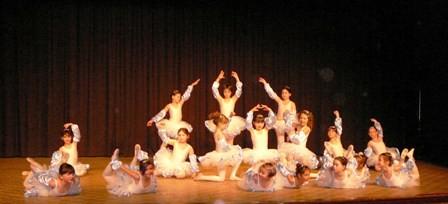 les petites danseuses classiques vous saluent.