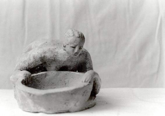 Femme-bassine - Terre cuite rouge - 30x14 cm (SCO20)