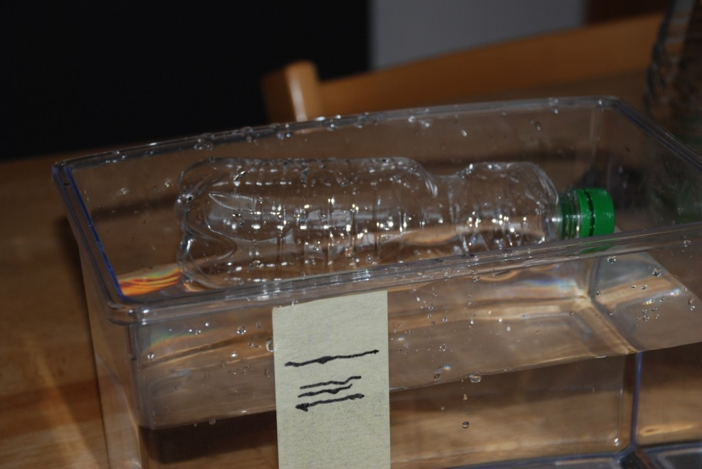 Auftrieb und Wasserverdrängung - Nela forscht - Naturwissenschaft ...