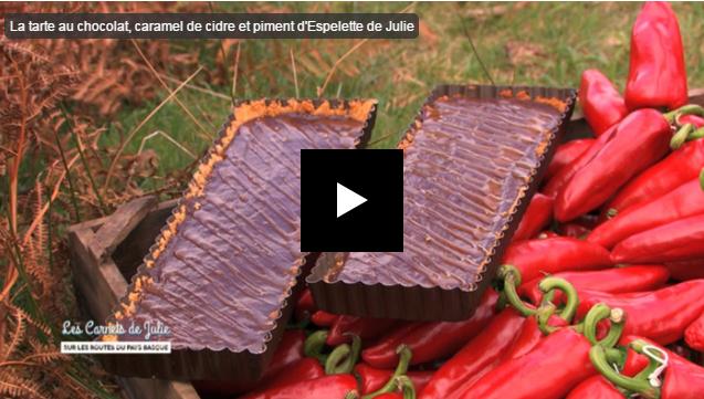 La tarte au chocolat, caramel de cidre et piment d'Espelette de Julie Andrieu