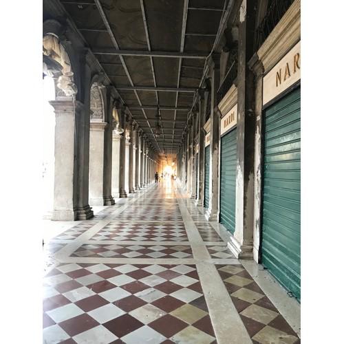 Tunnel-Ende-Ahnung für Galerien