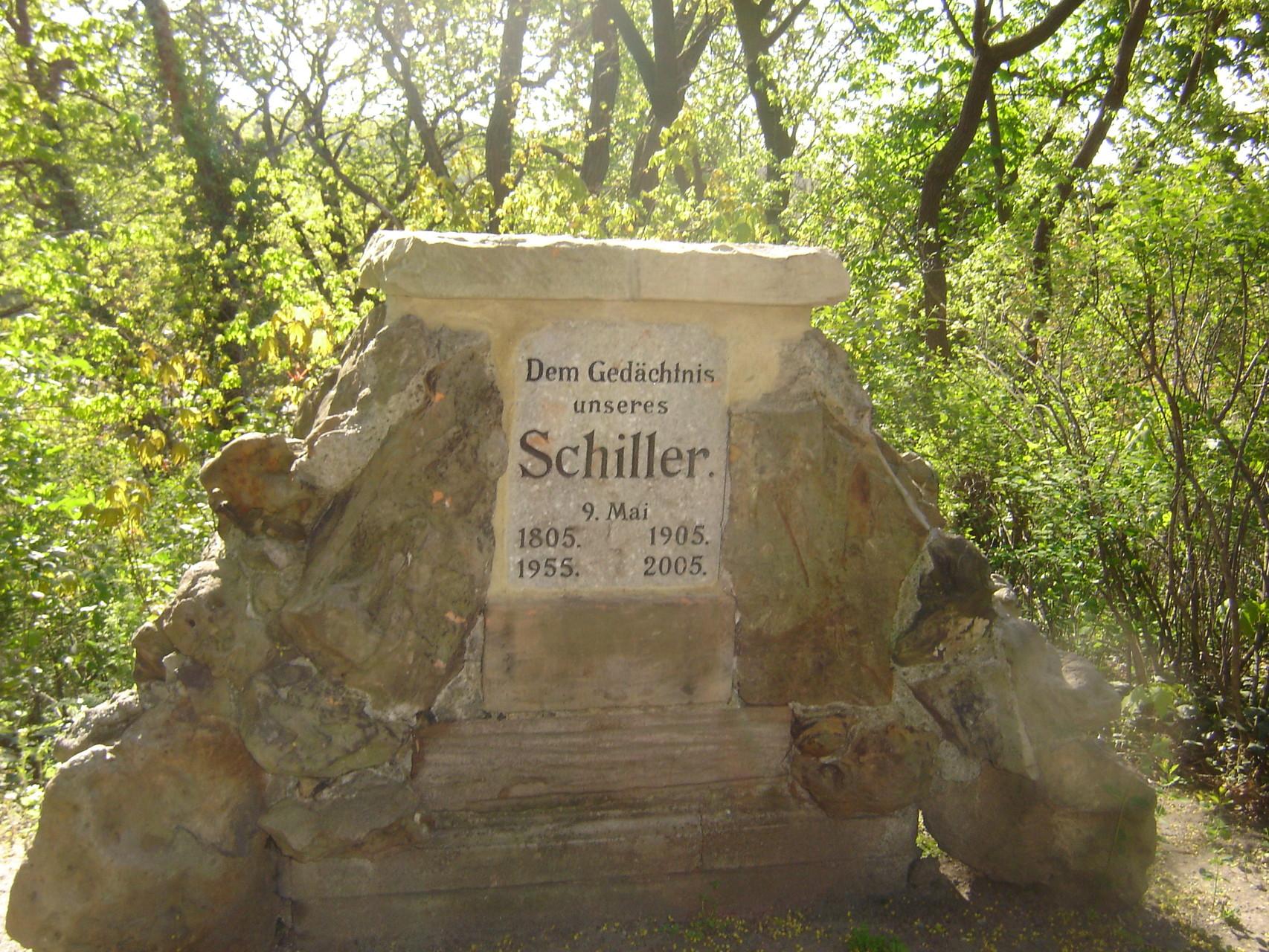 Schillergedenkstein