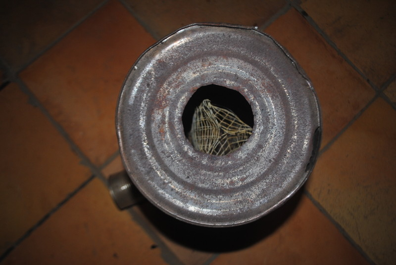 Hem posat el tap, que té la funció de restringir el tir i millorar la mescla de gasos