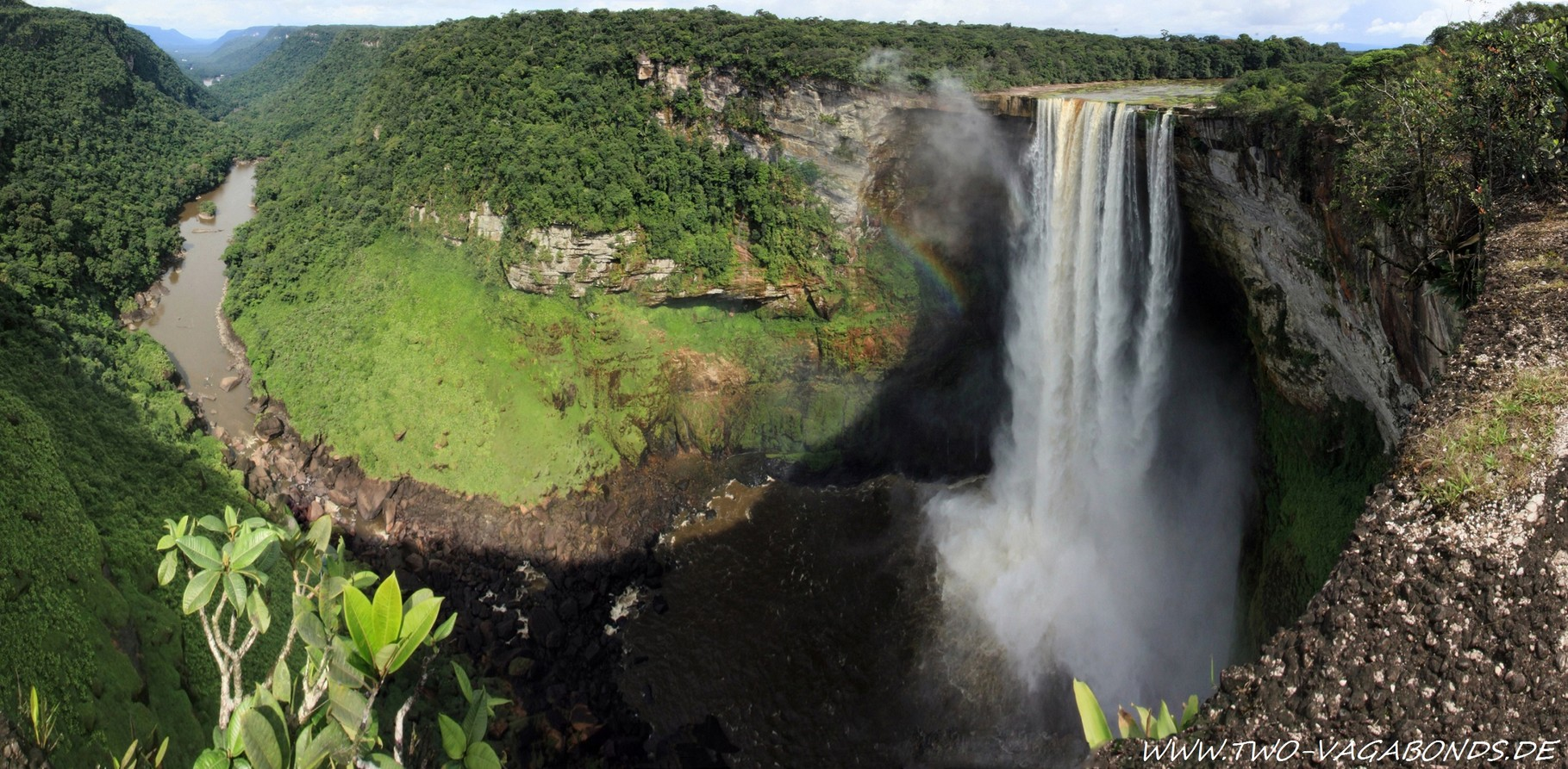 GUYANA 2014 - FLIGHT TO THE KAIETEUR FALLS - AMAZONAS