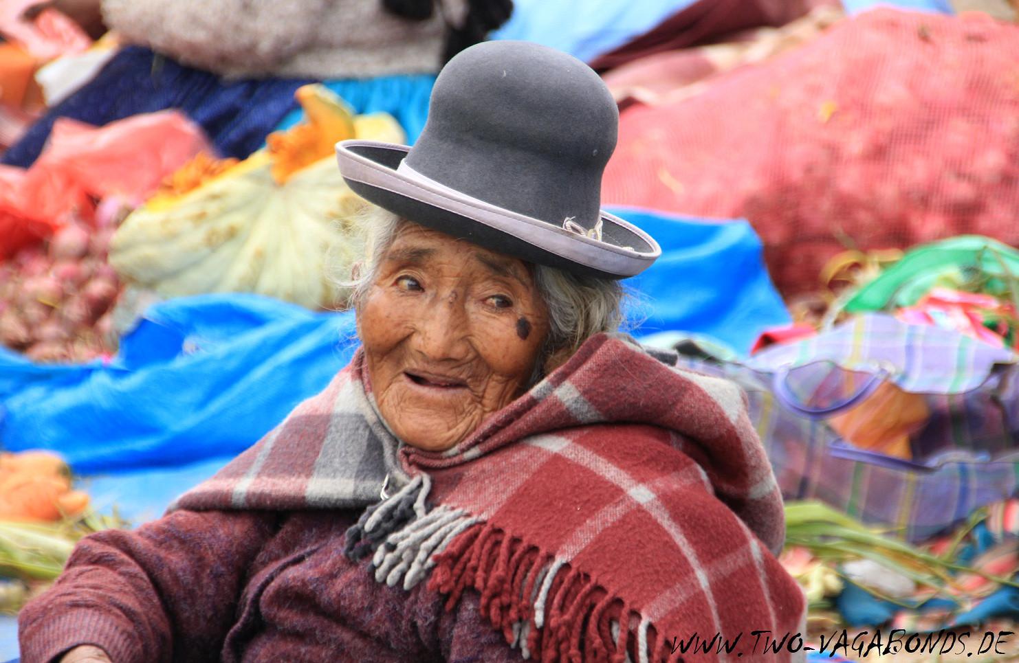 PERU 2015 - MARKTFRAU AM TITICACASEE