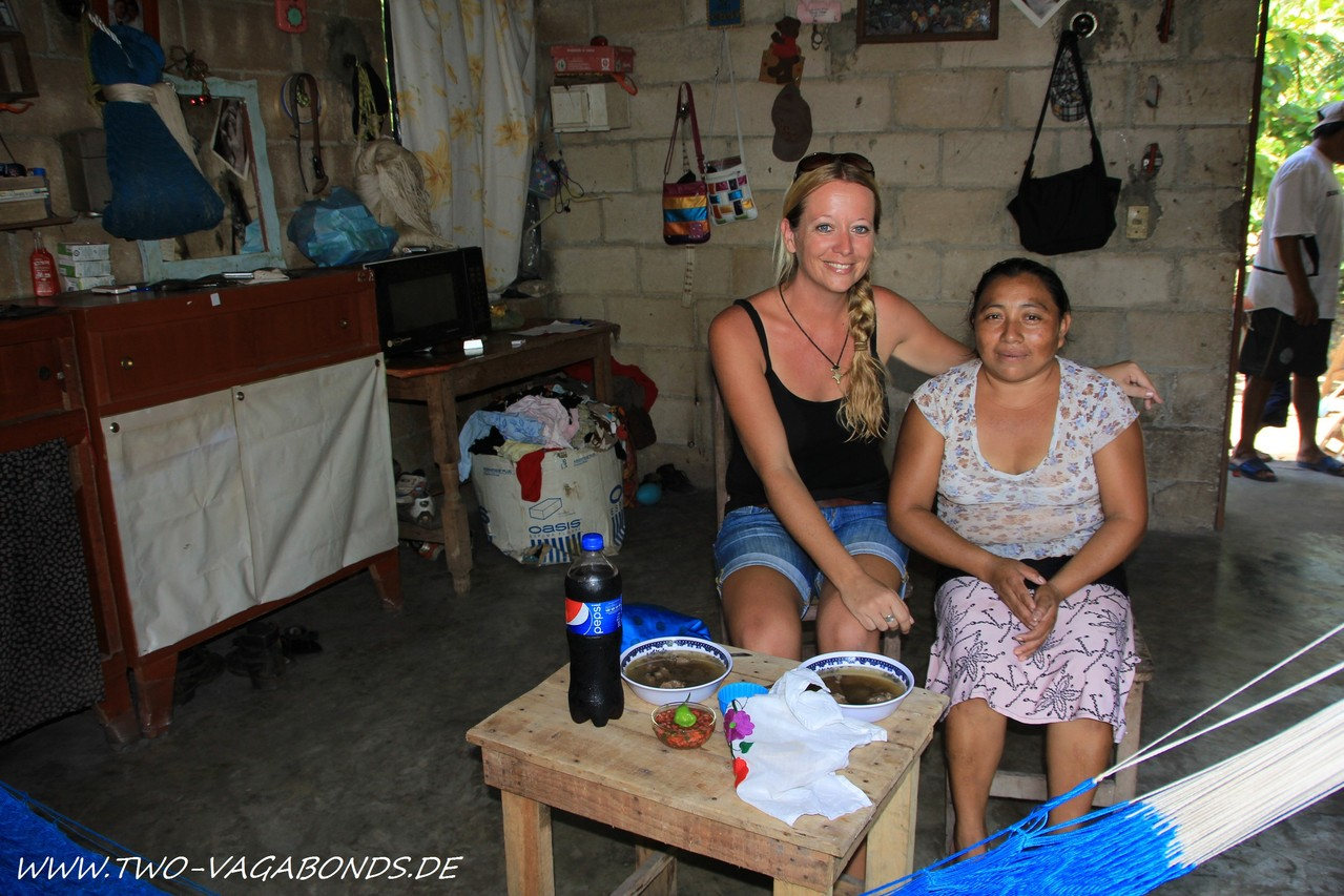 MEXICO 2012 - HALBINSEL YUCATAN - EINLADUNG BEI EINER MAJA-FAMILIE