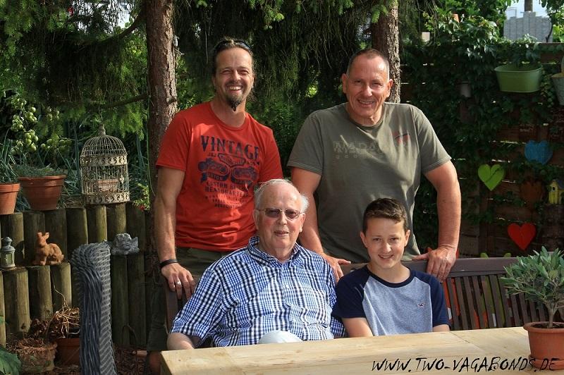 FAMILIEN-BESUCH