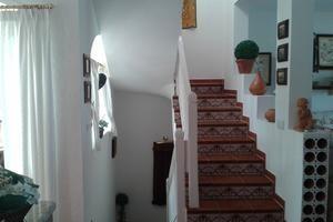 Treppe die, die einzelnen Wohnebenen verbindet.