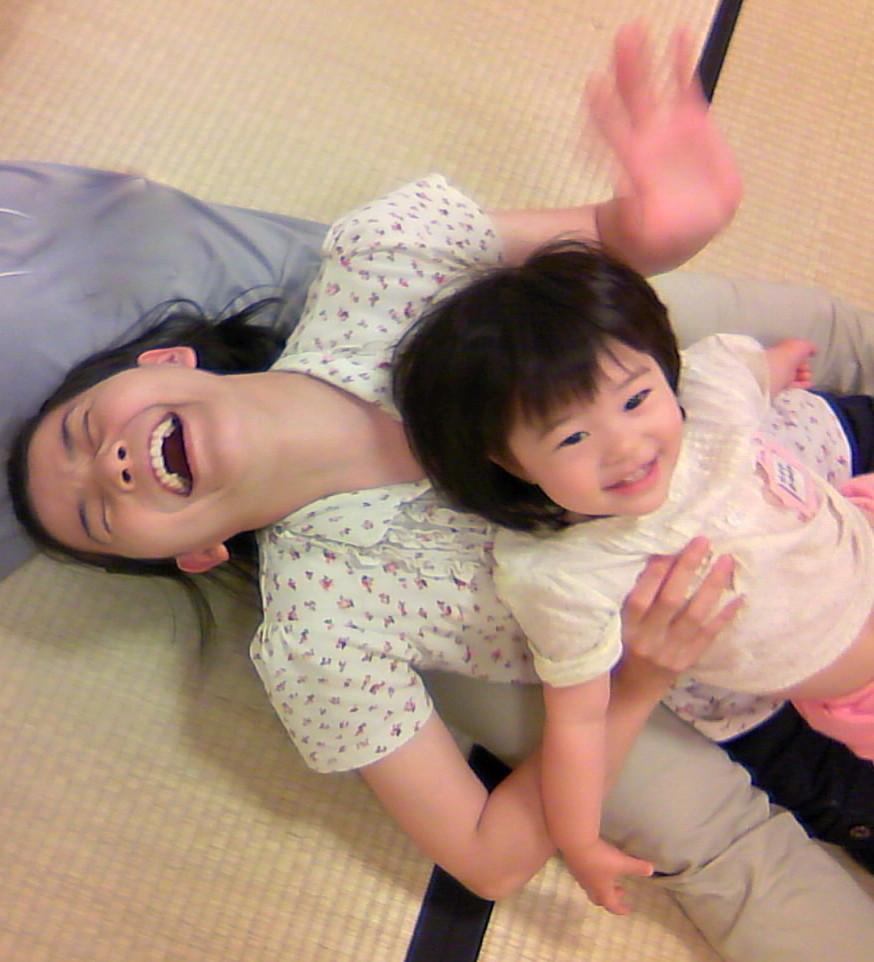 お母さんだって、子育てしながら笑えますっ! ママが笑っていると子供も穏やか♪