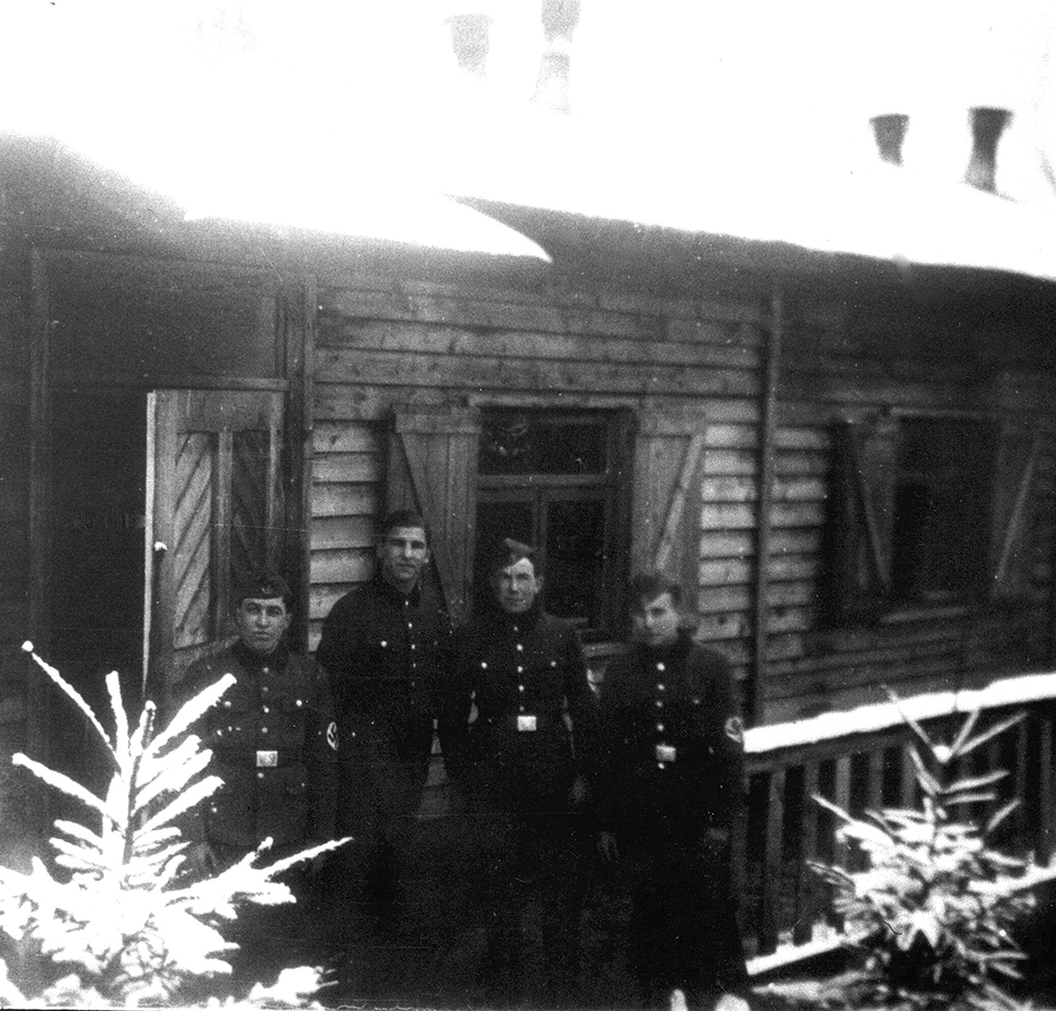 Baracke im RAD-Lager Zollstock im Winter