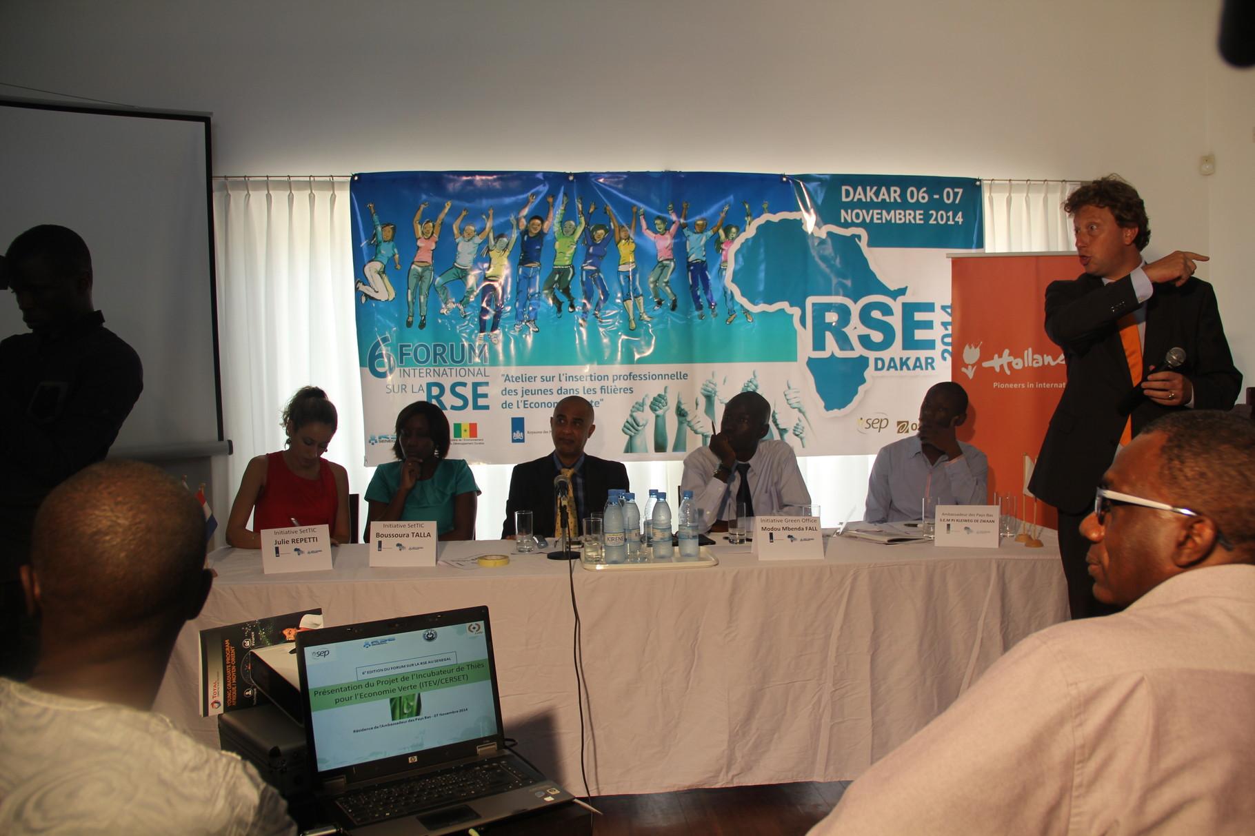 Forum RSE Senegal 2014 - panel de discussion Atelier 3 résidence Ambassadeur Pays Bas