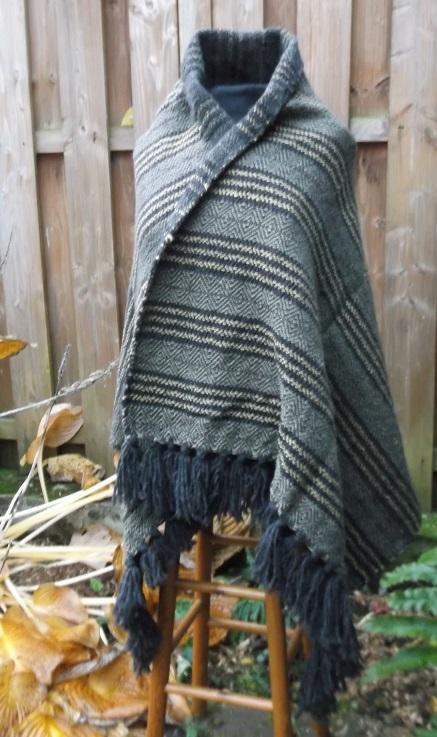 Schultertuch aus extra dicker warmer Wolle