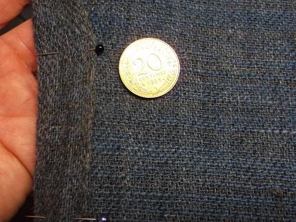 2,1 Köper die Rückseite ist kettlastig und eher grau, die Schauseite ist eher Blau