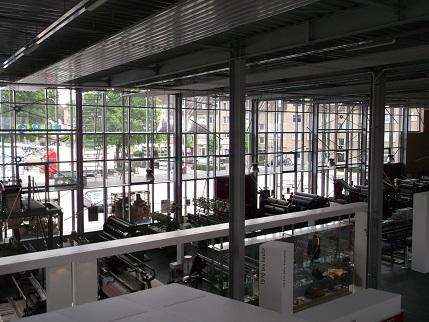 ein Blick von oben ins Tuch und Technik Museum Neumünster