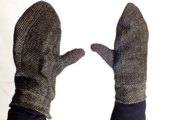 Handschuhe aus handgewebtem Wollstoff nach Ralswiek