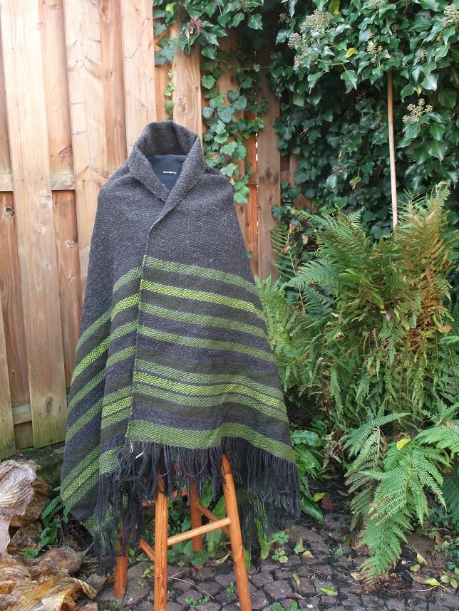 Überwurf Tuch Handgewebt mit schönen grünen Streifen, die Webart ist Diamantköper