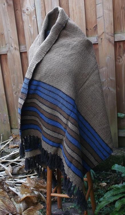 warmes Schultertuch aus Schafswolle