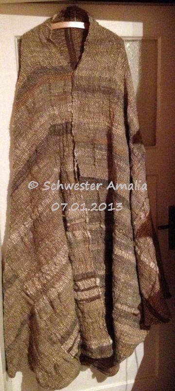 zu einem Mantel nach dem Vorbild der hl Klara verarbeitet