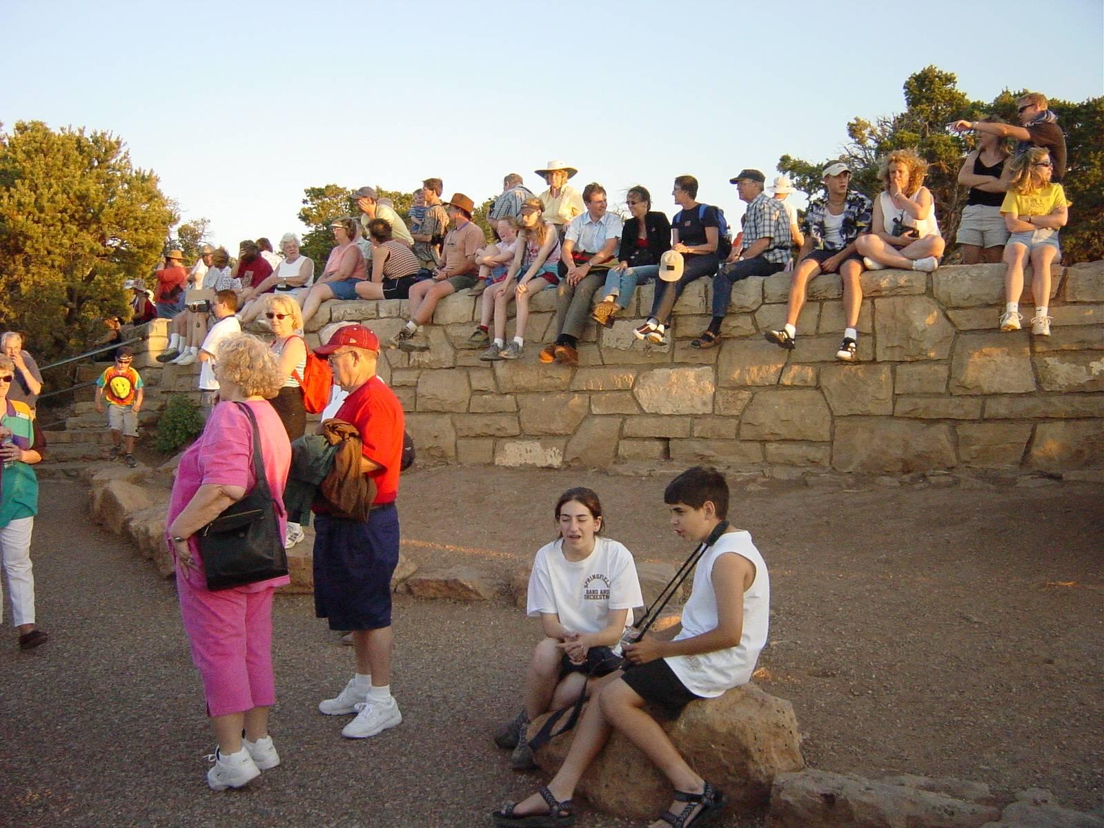 warten am Hopi Point auf den Sonnenuntergang