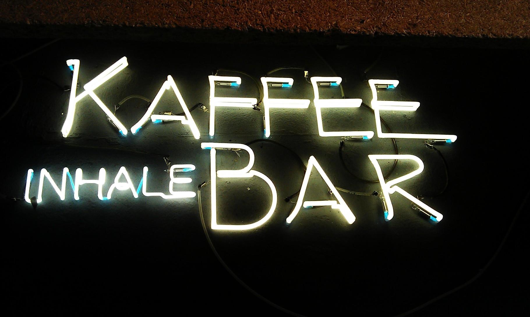 Neonschrift Cafe Bar // Neon Joecks Berlin