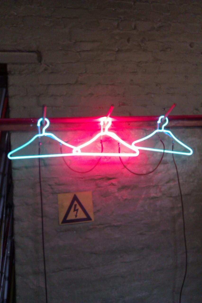 Neonart, Neonröhren,  Kunst  F. Auer // Signs Neon Joecks Berlin