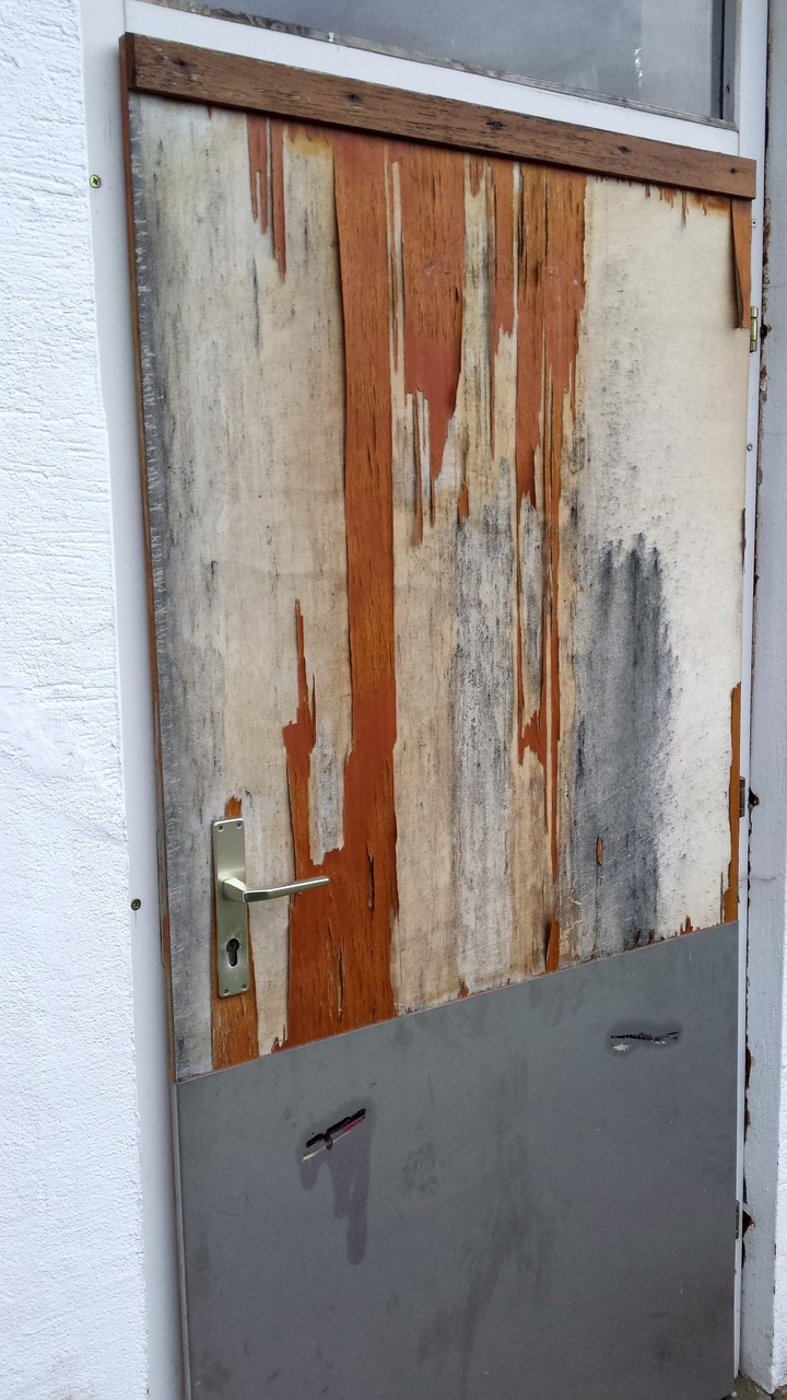 Tür Damen-WC