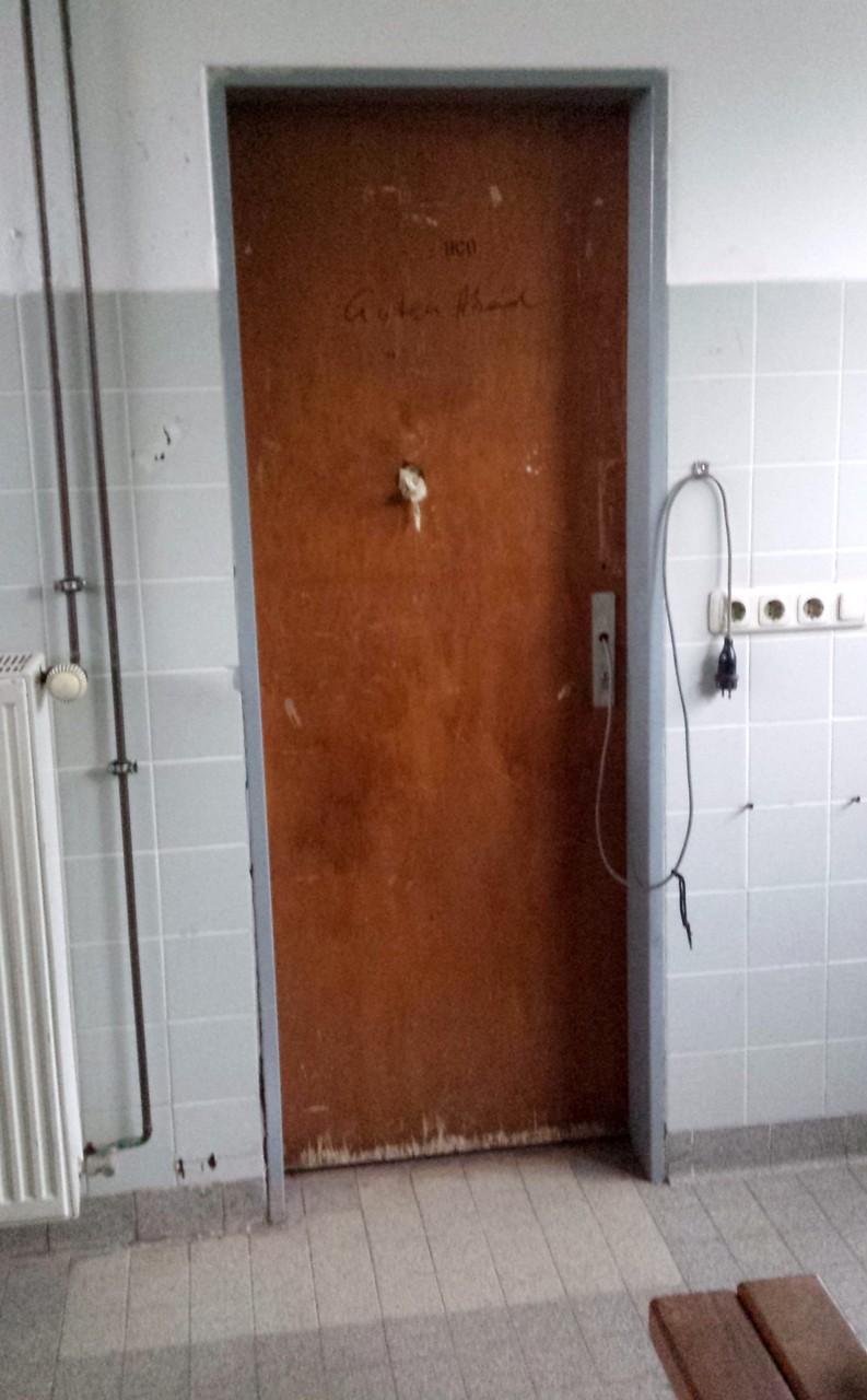 Tür in der Gäste-Umkleide