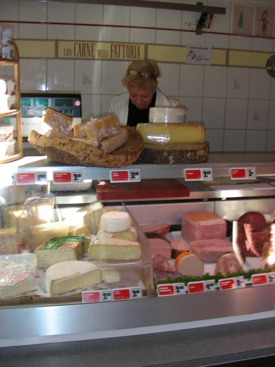 Auch offenen Käse gibt es hier