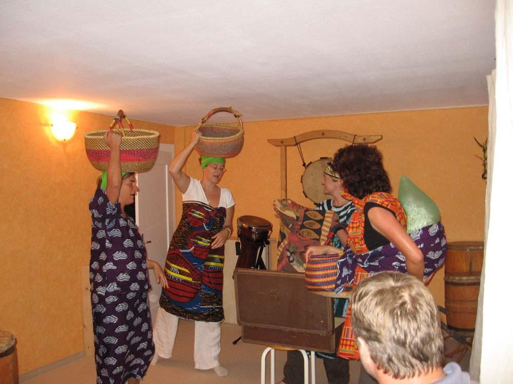Workshop: Musik begleitet Bewegung, Bewegung begleitet Musik, grünes Haus in Steinach