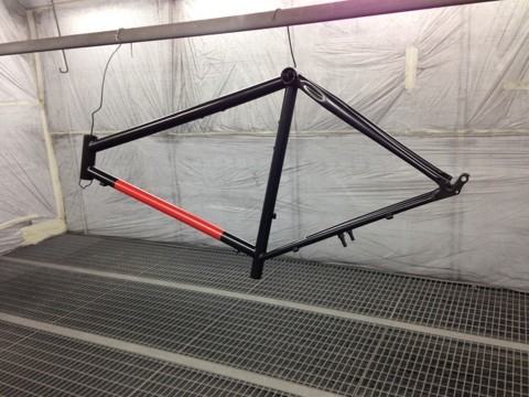 Vélo de collection avec la décoration et le vernis à Toulouse