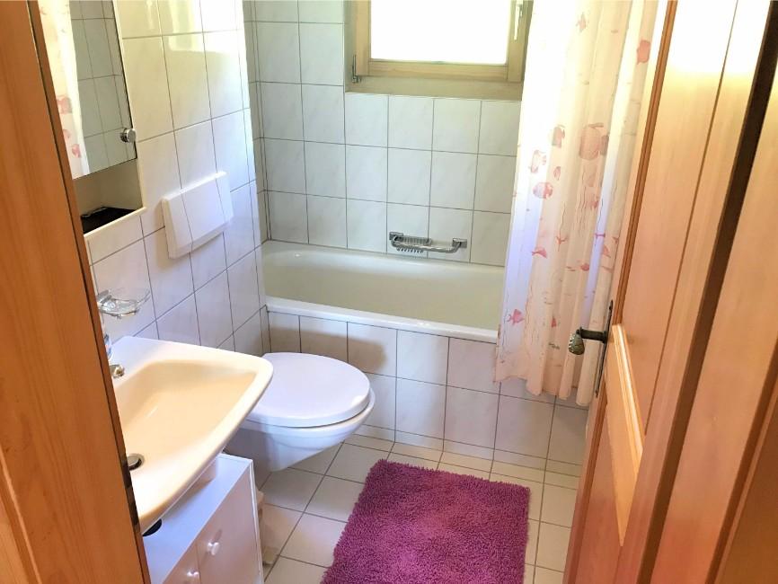 Badezimmer in der Sonnenhalde C12 auf der  Riederalp