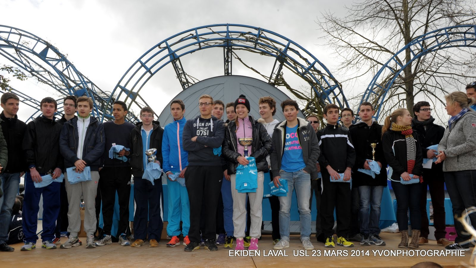 """L'équipe de """"l'OCC Natation Triathlon jeunes"""" de Rennes entraînée par Toni HADDAD est arrivée première de sa catégorie (jeunes)"""