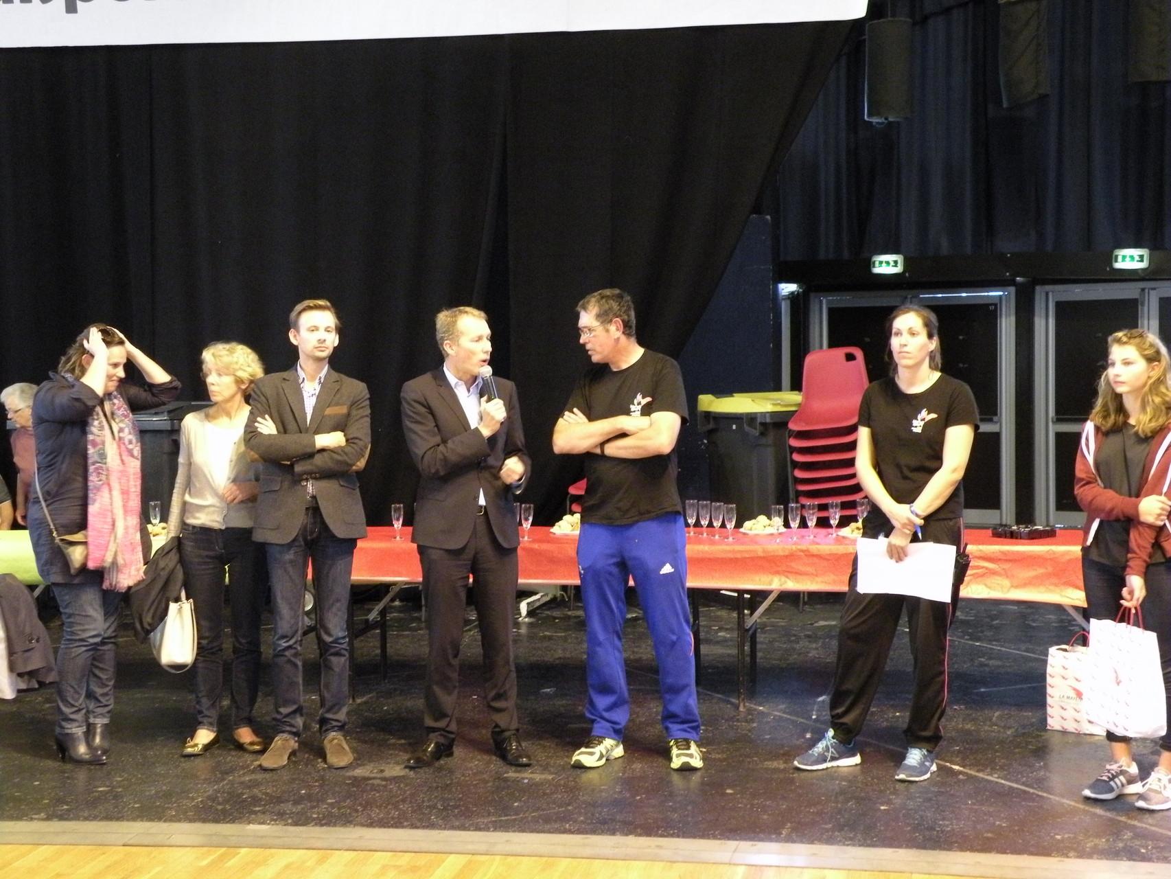 Le pot de l'amitié avec le député Guillaume Garrot et le Président d'Handisport 53 Patrick Blu