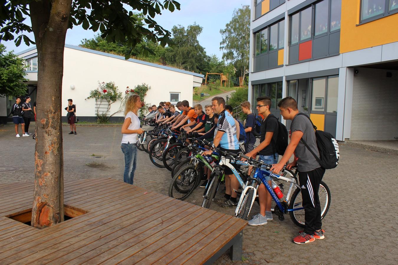 Auf gehts zur Radtour nach Eschenburg ...