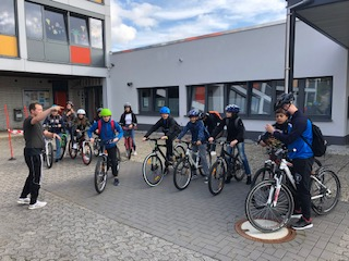 Klimafreundliche Mobilität - mit dem Fahrrad in die Schule.