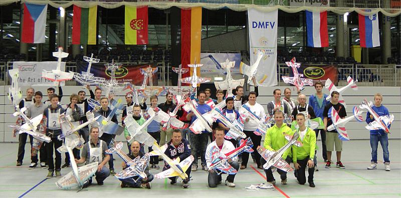 Gruppenbild offene DM Indoor Kunstflug in Nordhorn 09-10.11.2013