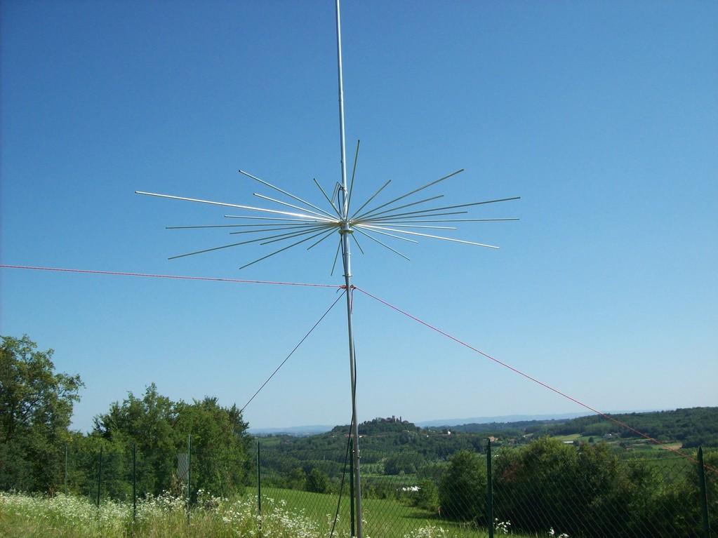 Veduta della vallata con antenna 1RP.DX